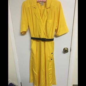 Sunny and bright vintage 80's dress
